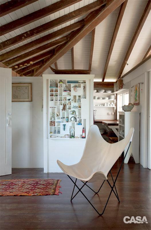 cozy white relaxation retreat (6)
