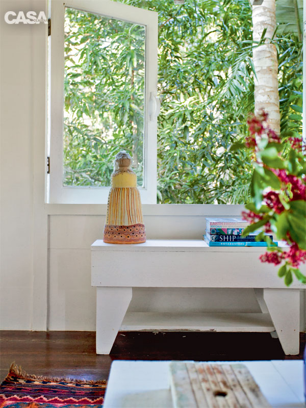 cozy white relaxation retreat (7)