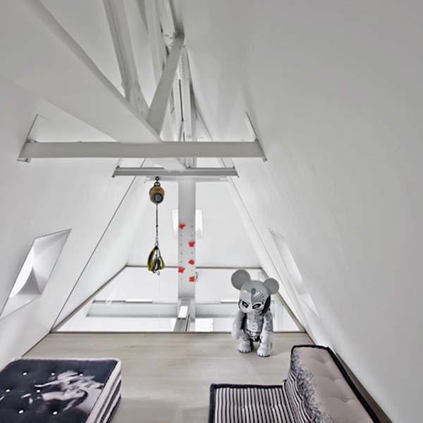 incredible modernized Skyhouse apartment (6)