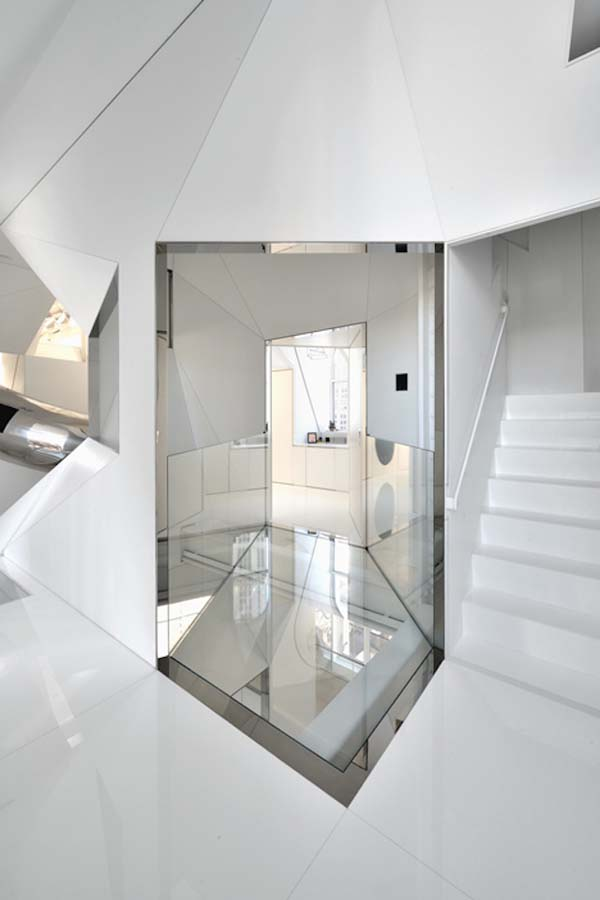 incredible modernized Skyhouse apartment (8)