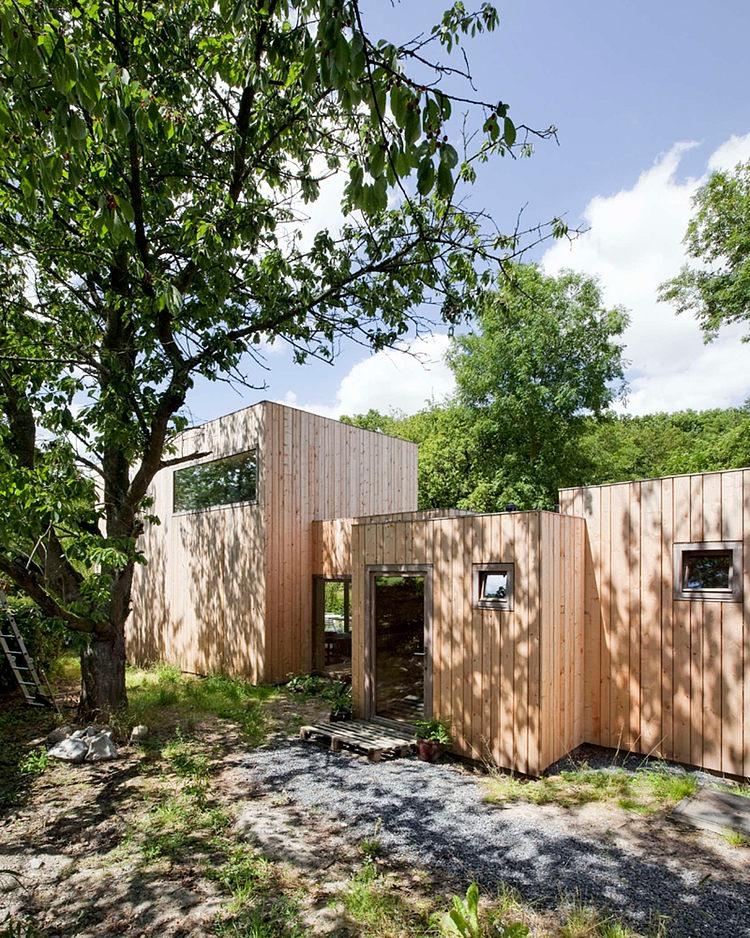 minimalist wooden residence (1)