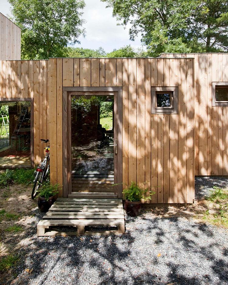 minimalist wooden residence (10)
