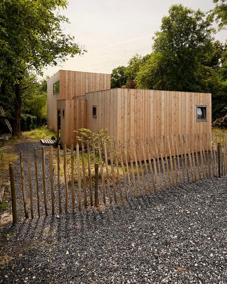 minimalist wooden residence (11)