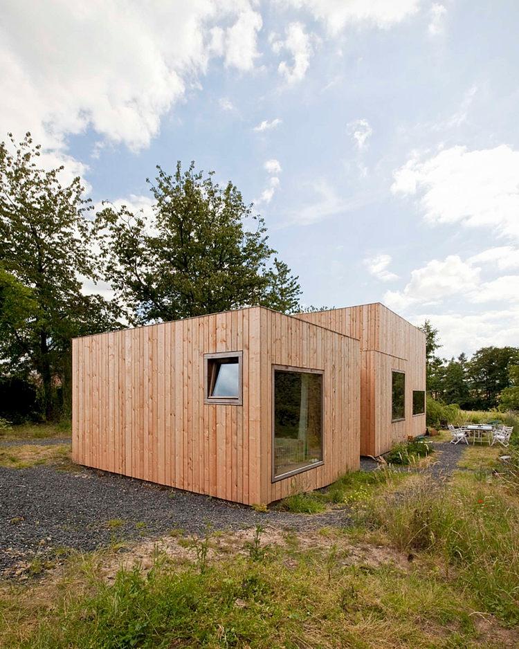 minimalist wooden residence (12)