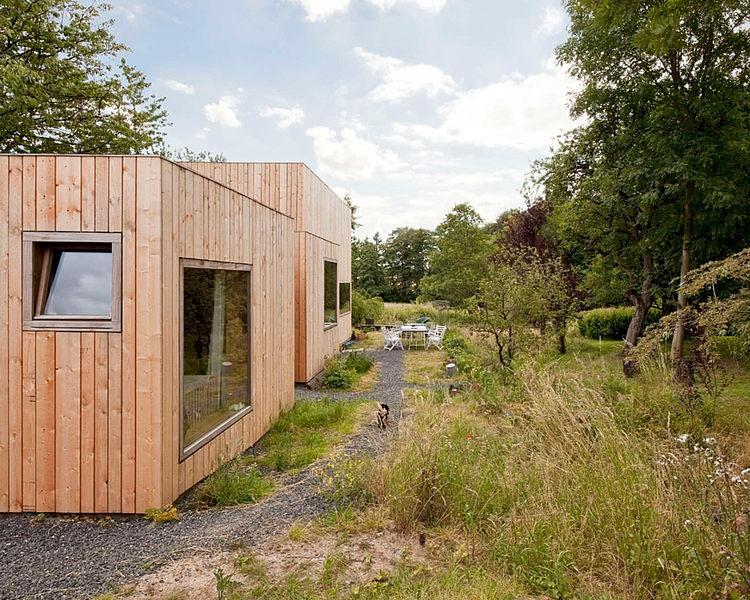 minimalist wooden residence (13)
