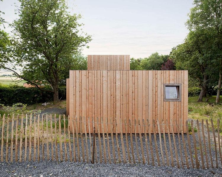 minimalist wooden residence (9)