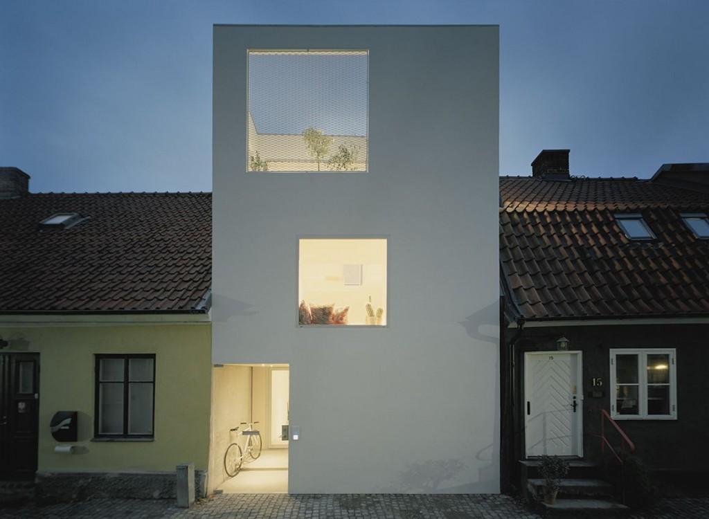 narrow three-level modern minimal house (1)