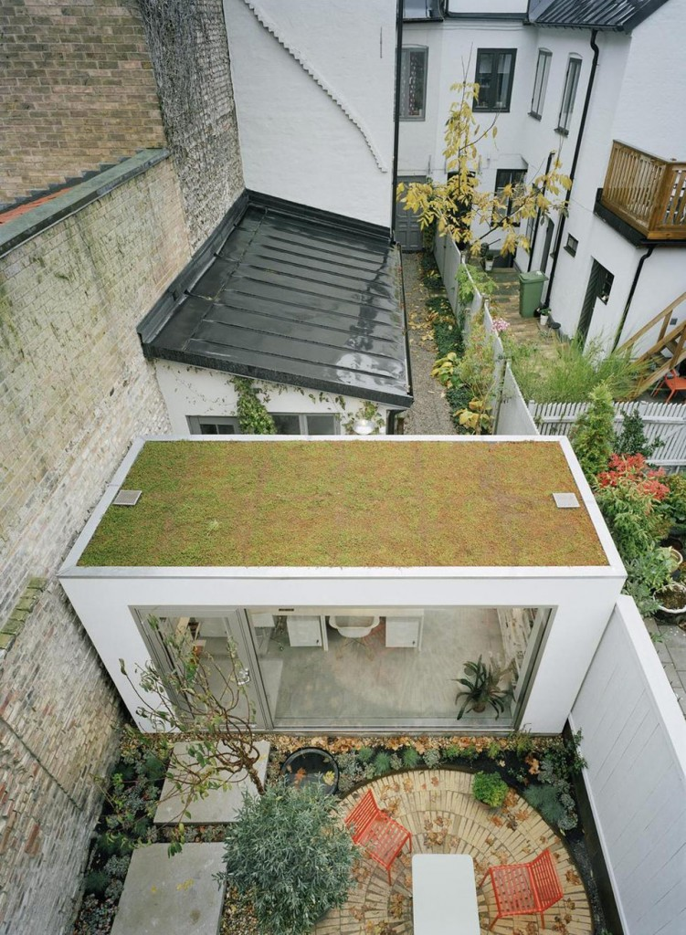 narrow three-level modern minimal house (3)