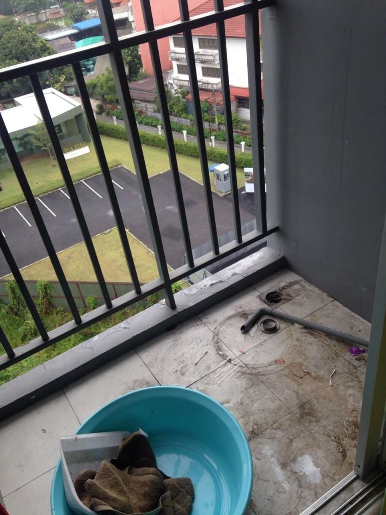review-diy-renovated-natural-balcony (1)