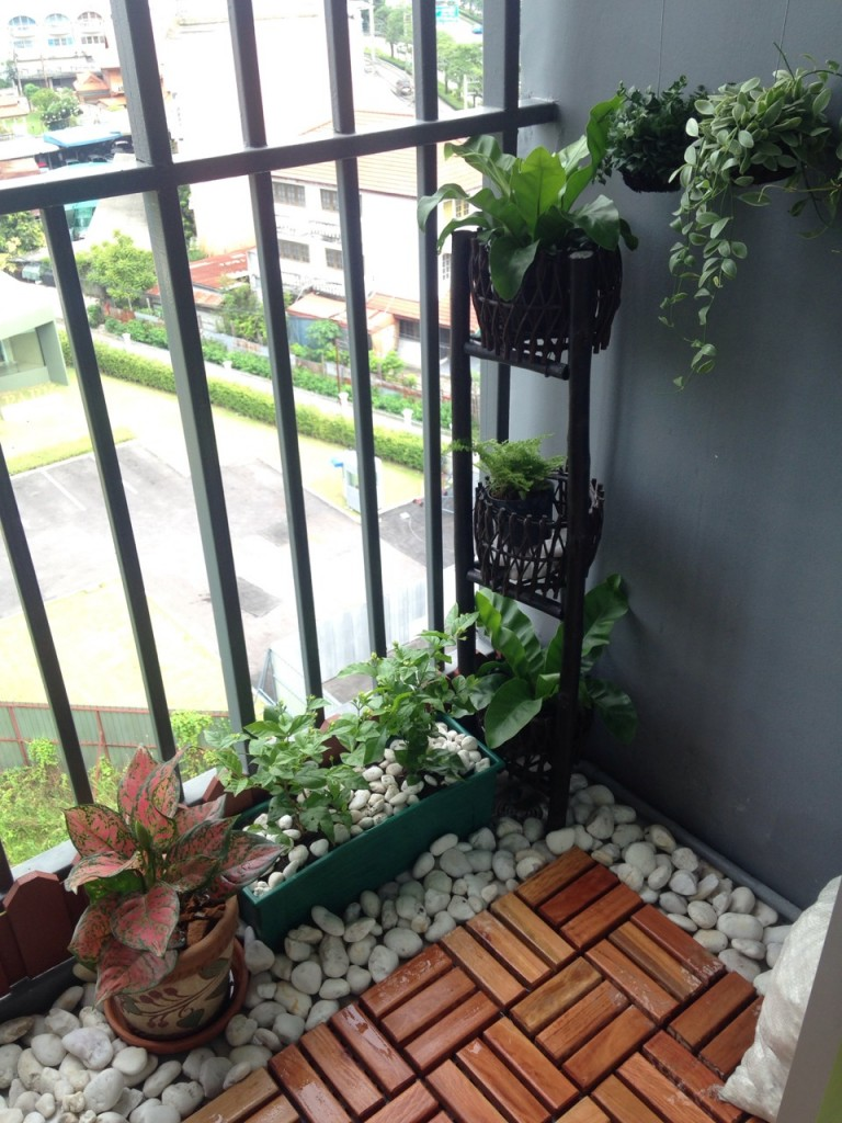 review-diy-renovated-natural-balcony (3)