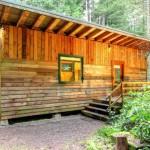 กระท่อมไม้คอมแพ็ค สัมผัสความอบอุ่นกับงานไม้สวยๆ ทั้งภายนอกและภายใน