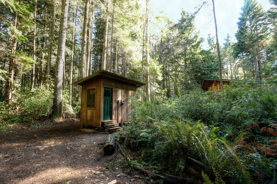 rustic compact cabin (3)