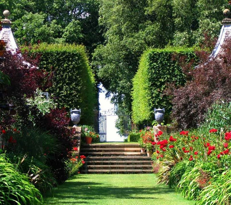 12 luxurious garden decorating ideas (7)