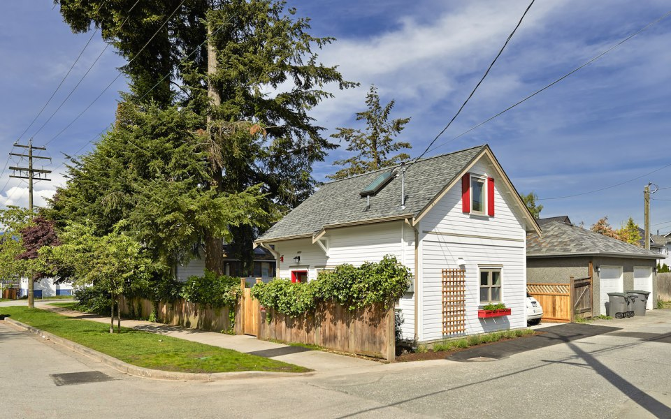 2 storied charming modern cottage (1)