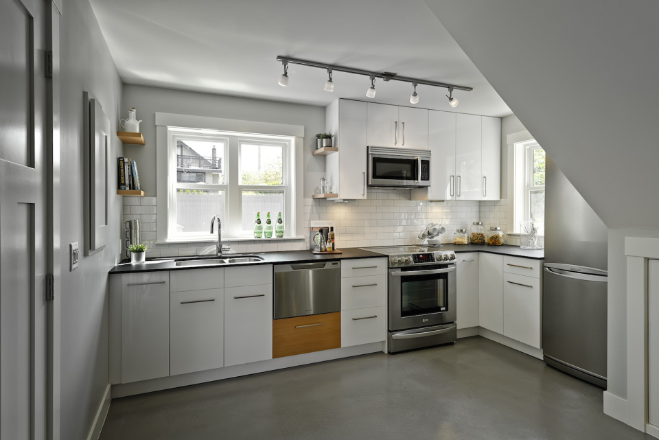 2 storied charming modern cottage (13)
