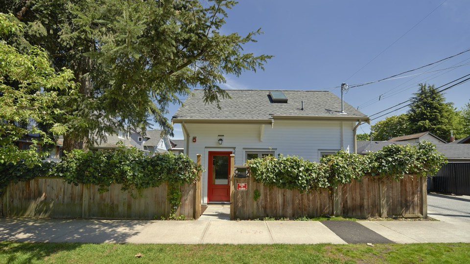 2 storied charming modern cottage (2)