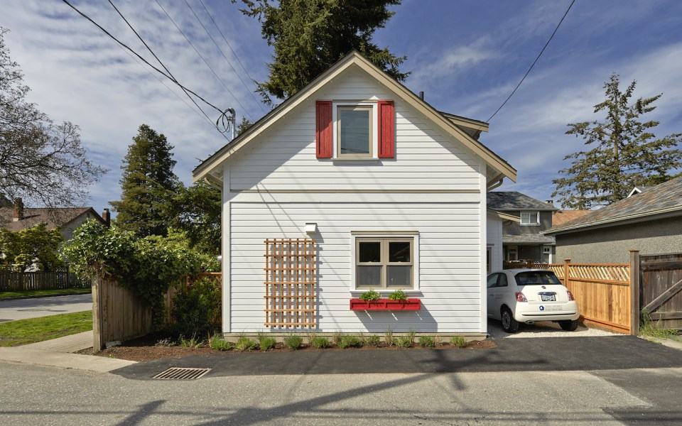 2 storied charming modern cottage (5)