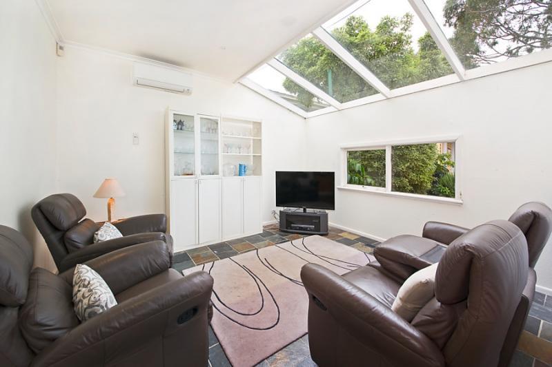 2 storied contemporary glass wall modernized house (6)