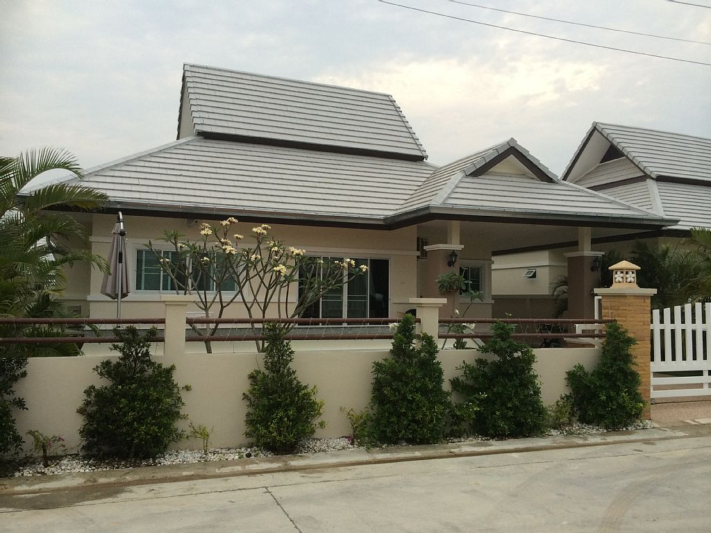 3 bedroom contemporary house  (12)