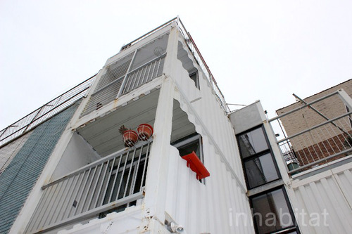 3 storied container house in new york (13)
