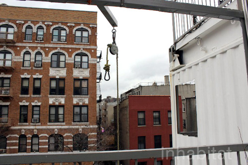 3 storied container house in new york (23)