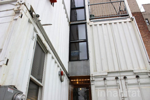 3 storied container house in new york (24)