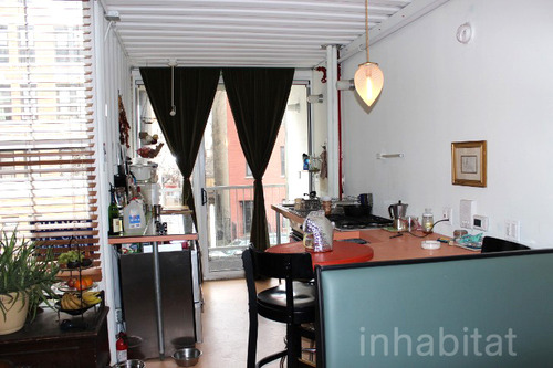 3 storied container house in new york (3)