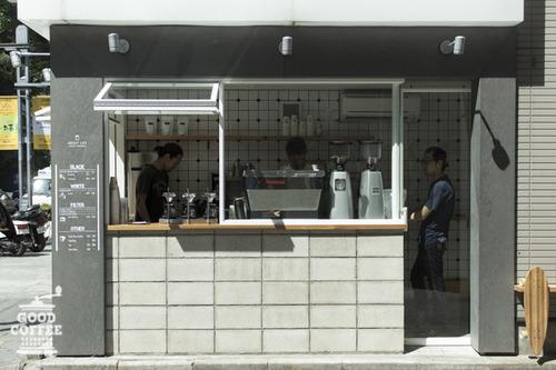 minimal-coffee-shop-stand (15)