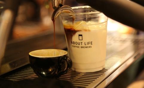 minimal-coffee-shop-stand (5)