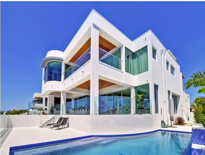 modern-elegant-house-with-pool-and-scenic-view (1)