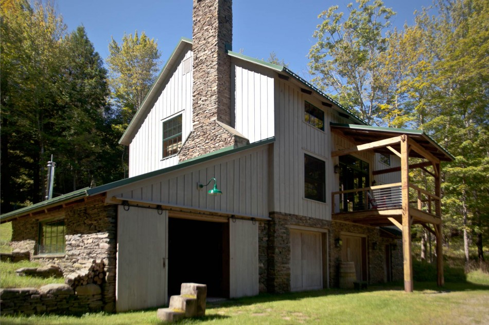 renovated barn house built in 1820s (10)