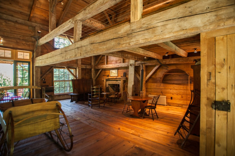 renovated barn house built in 1820s (6)