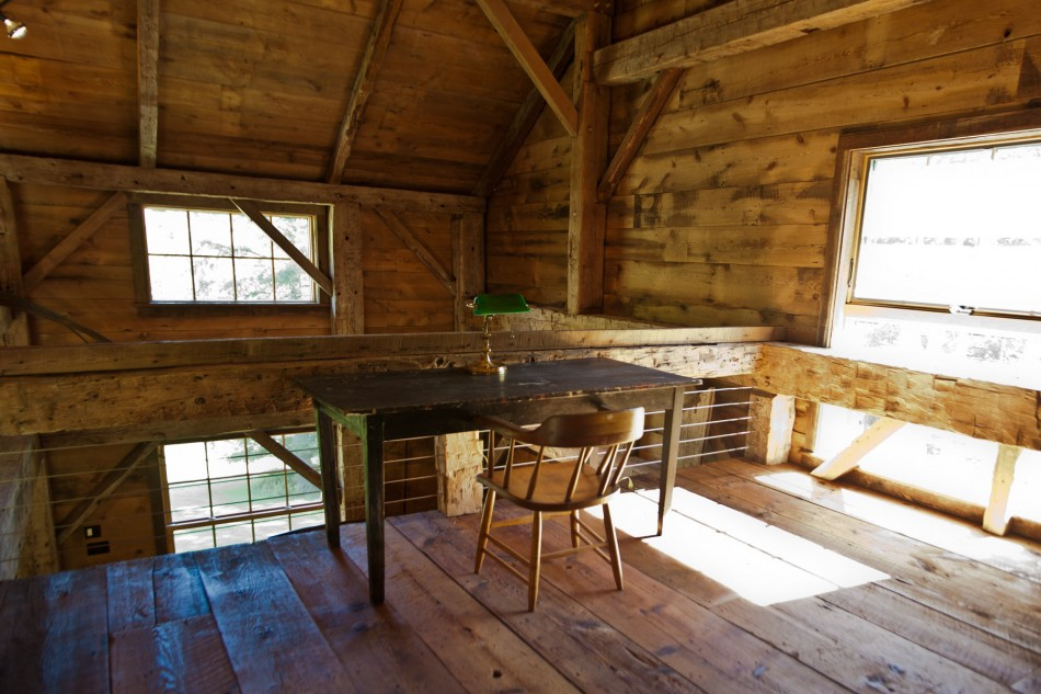 renovated barn house built in 1820s (8)