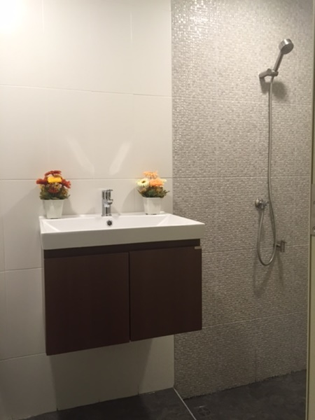 renovated-bathroom-review (10)