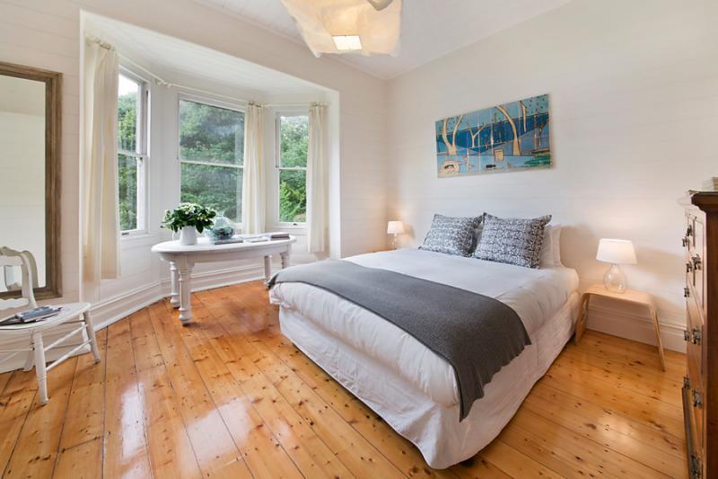 single small cozy family house (6)