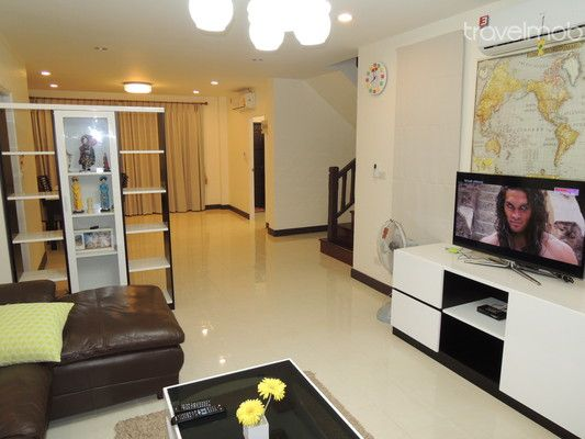 thai style modern townhome (1)
