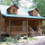 บ้านสองชั้นกลางป่า สร้างด้วยปูนเปลือยที่ชั้นแรก ผสมความเป็นธรรมชาติด้วยงานไม้ที่ชั้นสอง