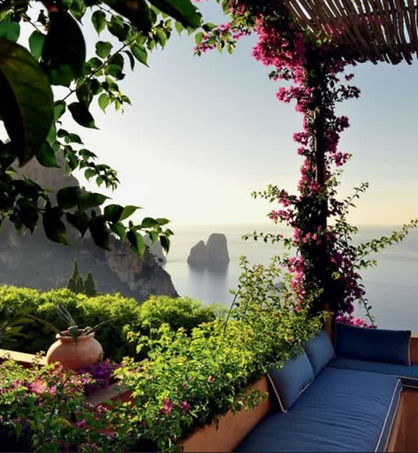 10-most-romantic-balcony-ideas (1)
