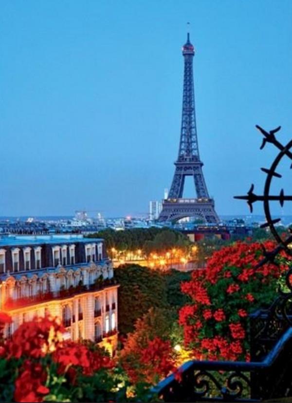10-most-romantic-balcony-ideas (10)