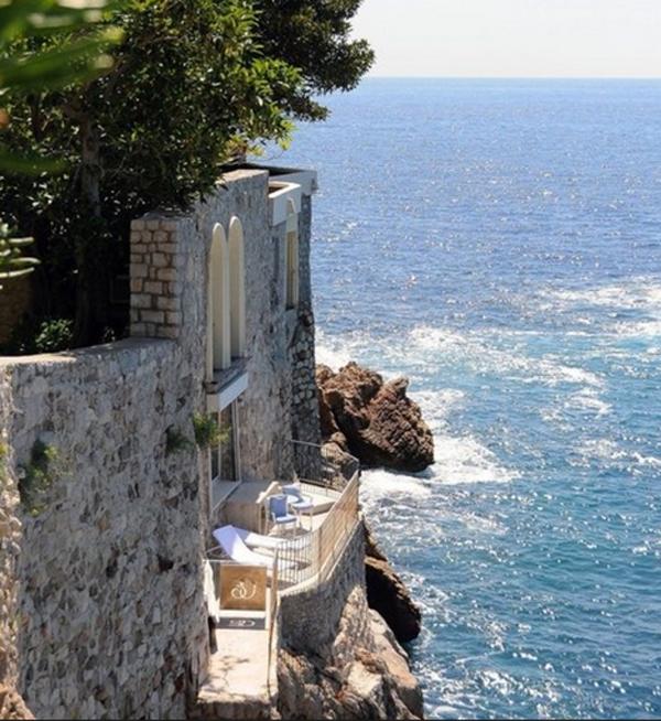 10-most-romantic-balcony-ideas (3)