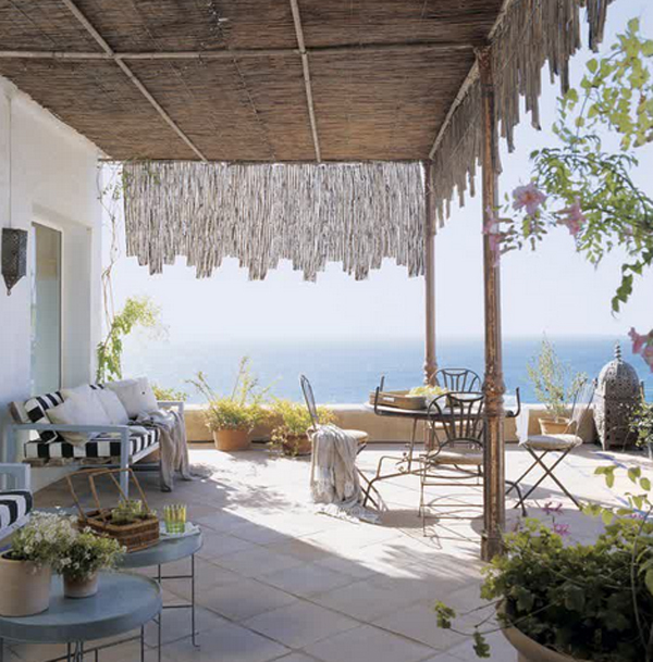 10-most-romantic-balcony-ideas (4)