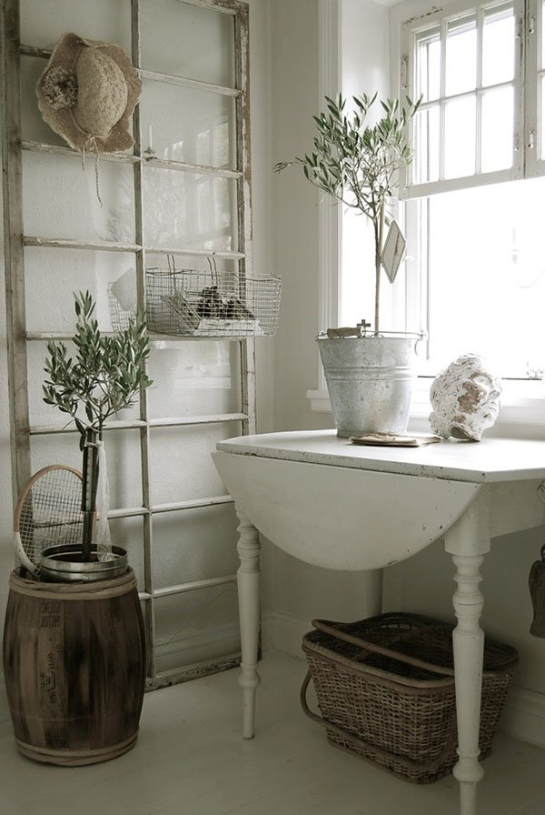 19-ideas-to-use-old-windows-to-add-vintage-charm (13)