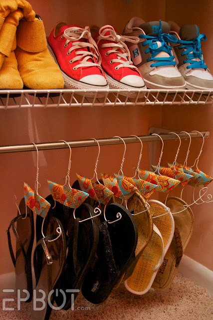 22 life changing storage ideas for small rooms (11)