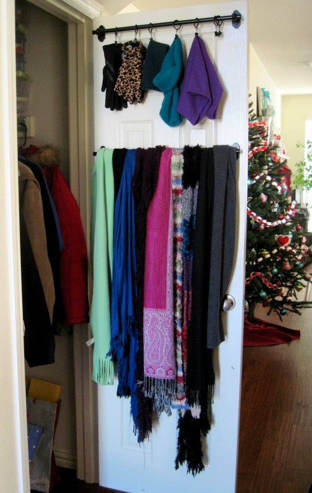 22 life changing storage ideas for small rooms (17)