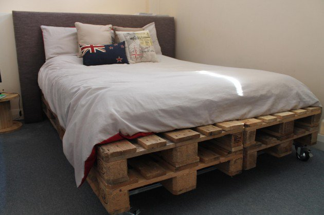 27-pallet-bed-ideas (13)