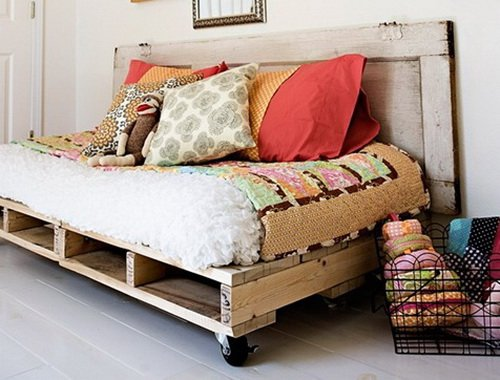 27-pallet-bed-ideas (24)
