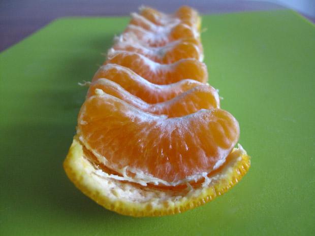 3 easy steps to peel orange (4)