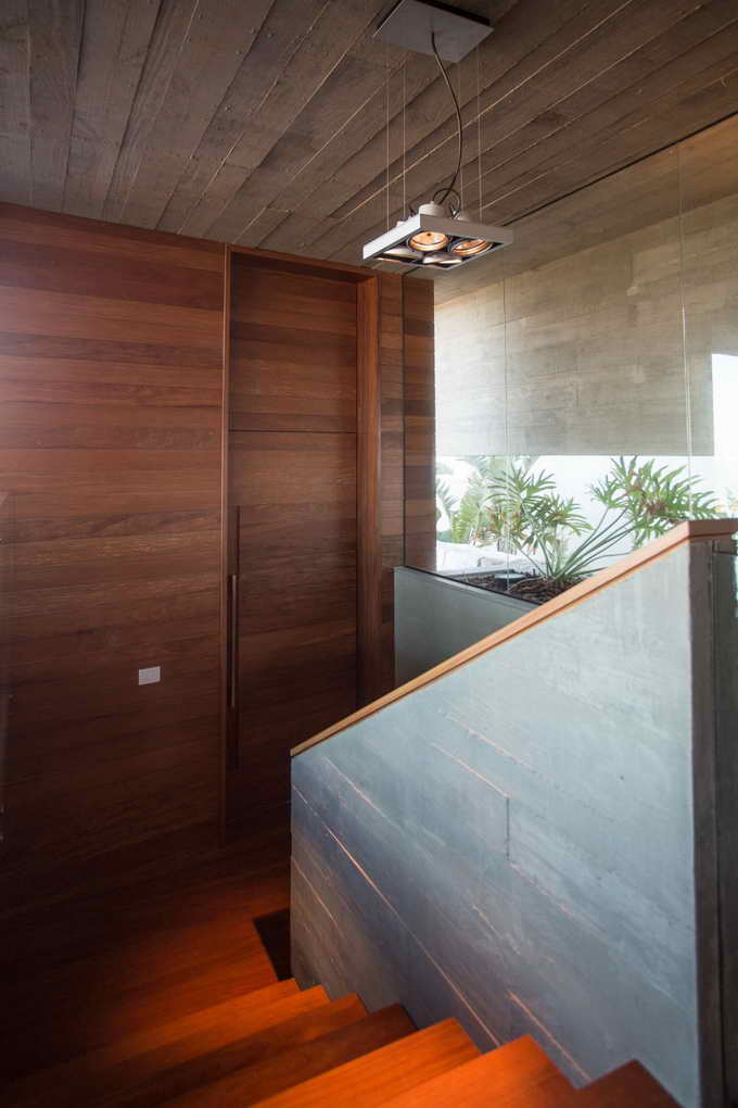 modernized plain concrete and wooden house (15)