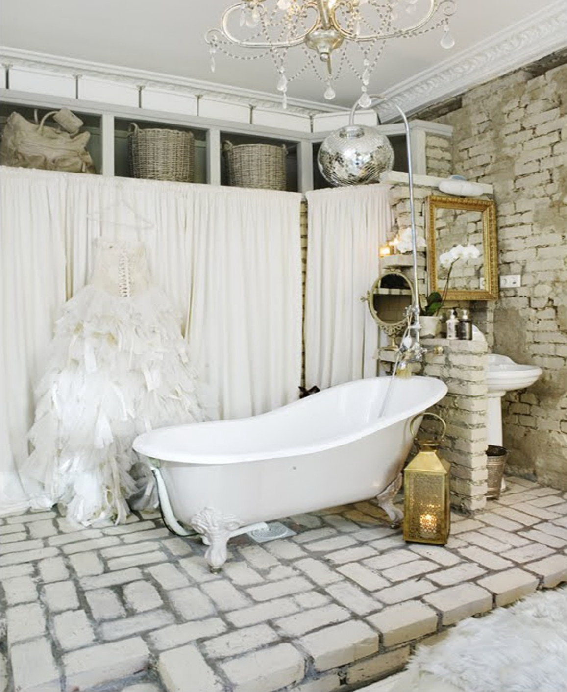 small-vintage-bathroom-ideas (25)