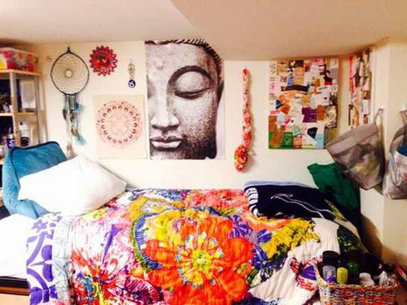 20-comfortable-dorm-room-ideas (14)